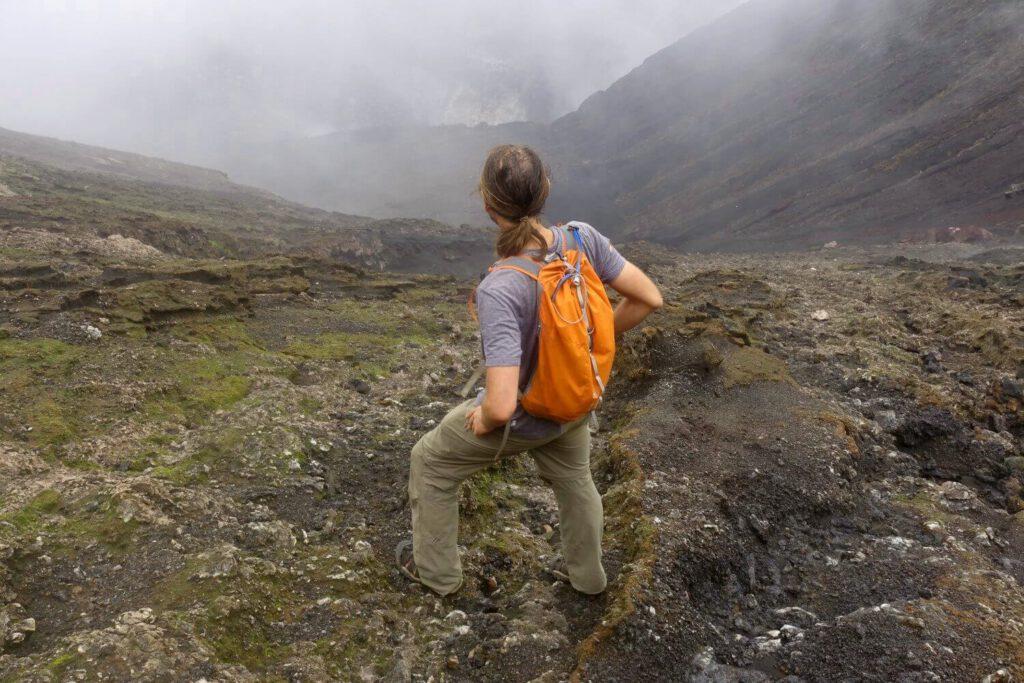 Der letzte Teil der Vulkantour führt in den Krater des Benbow.
