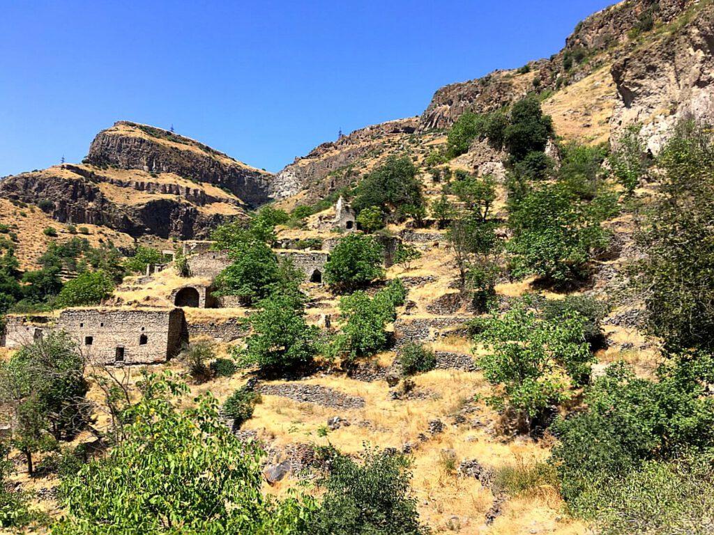 Ruinenstadt in der Vorotan Schlucht