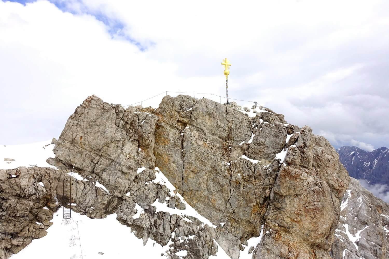 Gipfelkreuz der Zugspitze.