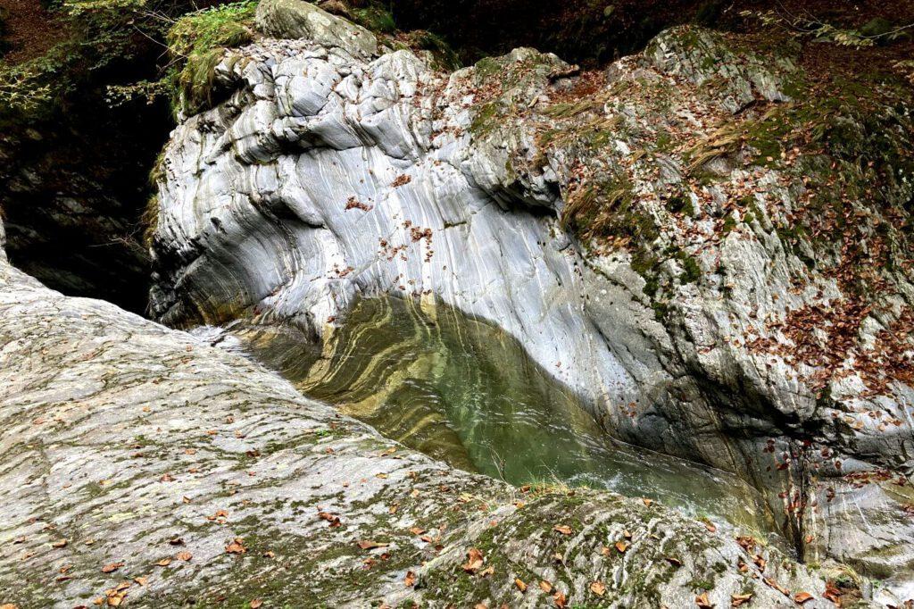 Badestelle im Val Gabbio.
