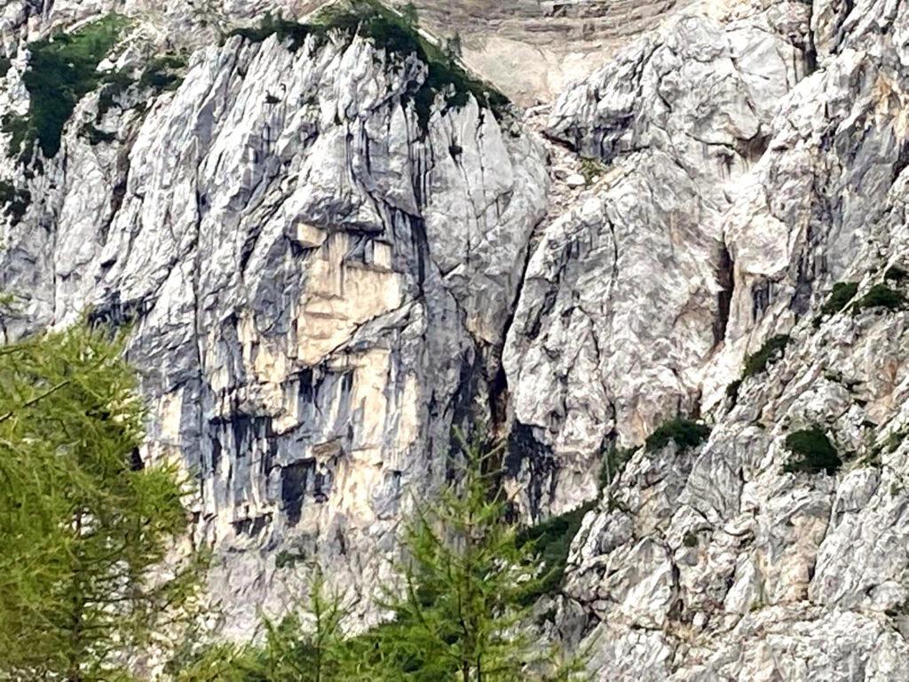Das Gesicht des heidnischen Mädchens an der Nordwand des Prisonjik.