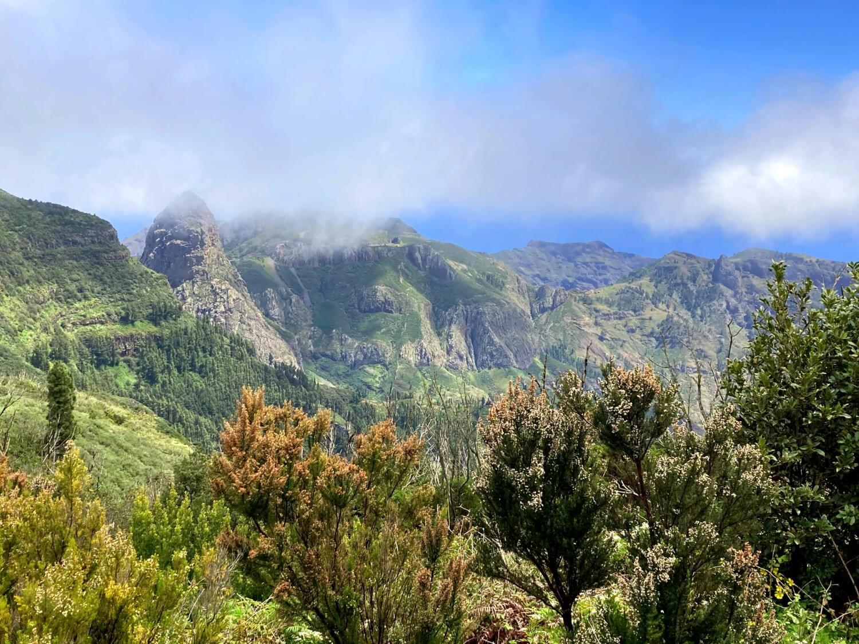 Wanderweg im Hochland von La Gomera.