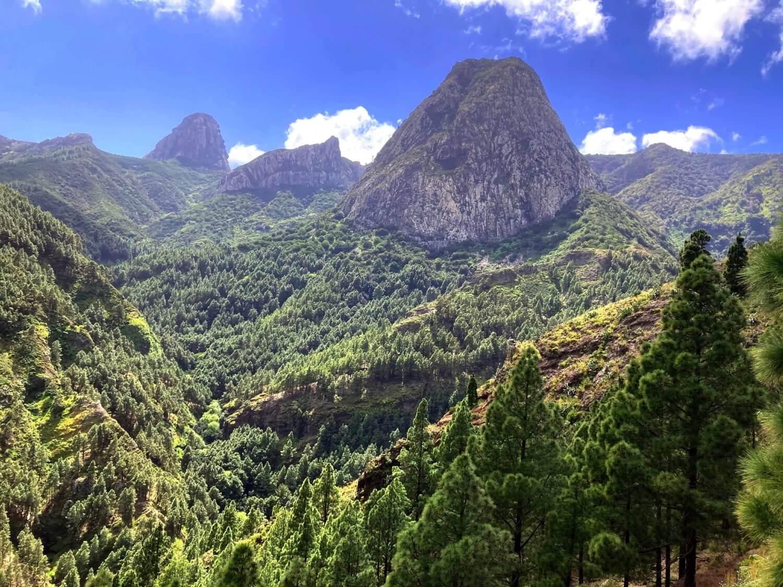 Los Roques: Roque Ojila, Roque de la Zarcita und Roque Agando in La Gomera.