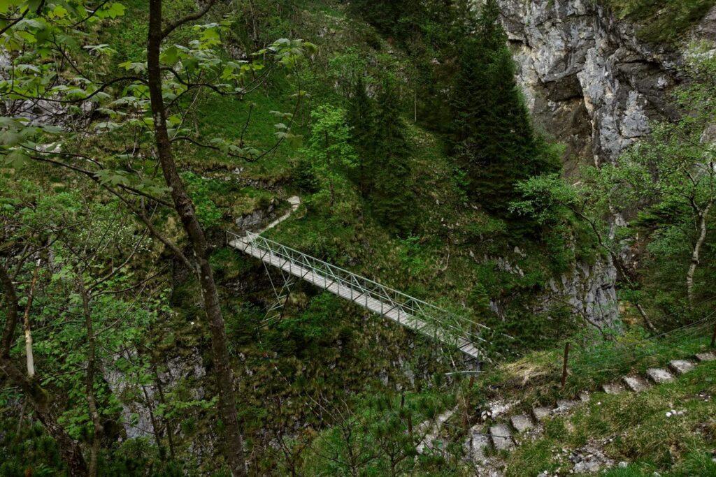 Eiserne Brücke über den Stangensteig in der Höllentalklamm.