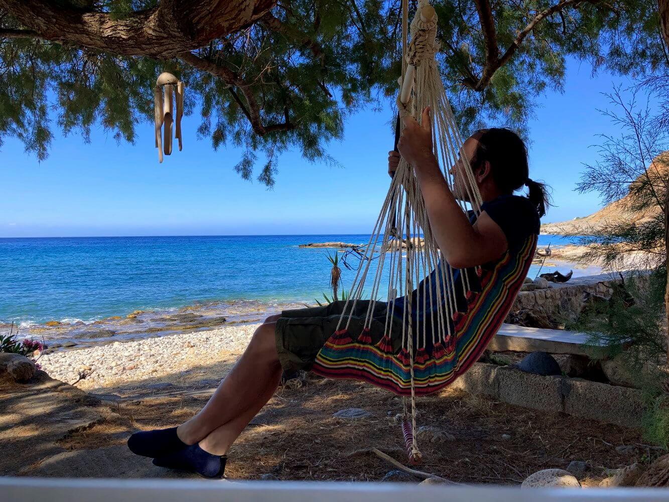 Entspannen nach einem langen Tag beim Wandern auf dem E4 in Kreta.