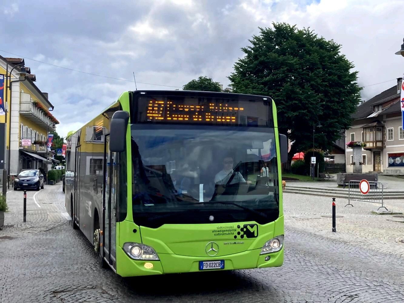 Anreise zum Dolomiten-Höhenweg 1 mit dem Bus.
