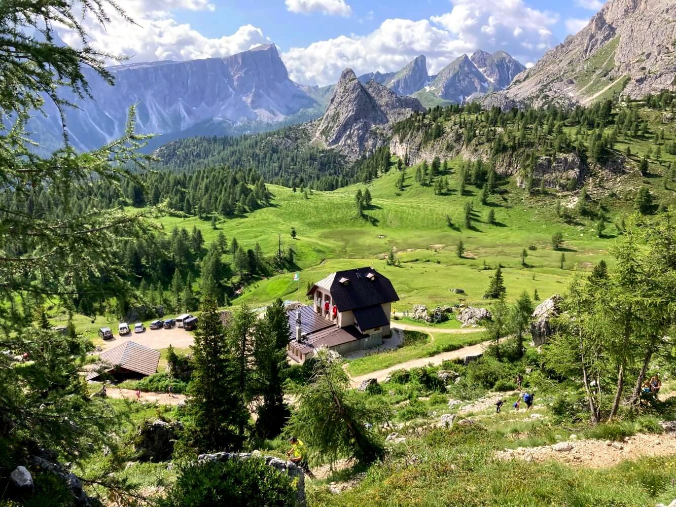Berghütte Cinque Torri am Dolomiten-Höhenweg 1.