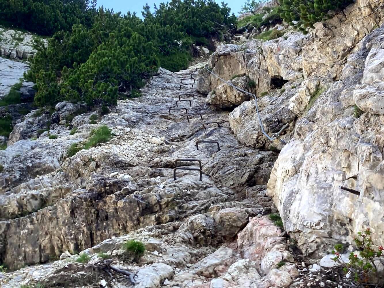 Steighilfen am Monte Pelmo auf dem Giro di Pelmo am Dolomiten-Höhenweg 1.