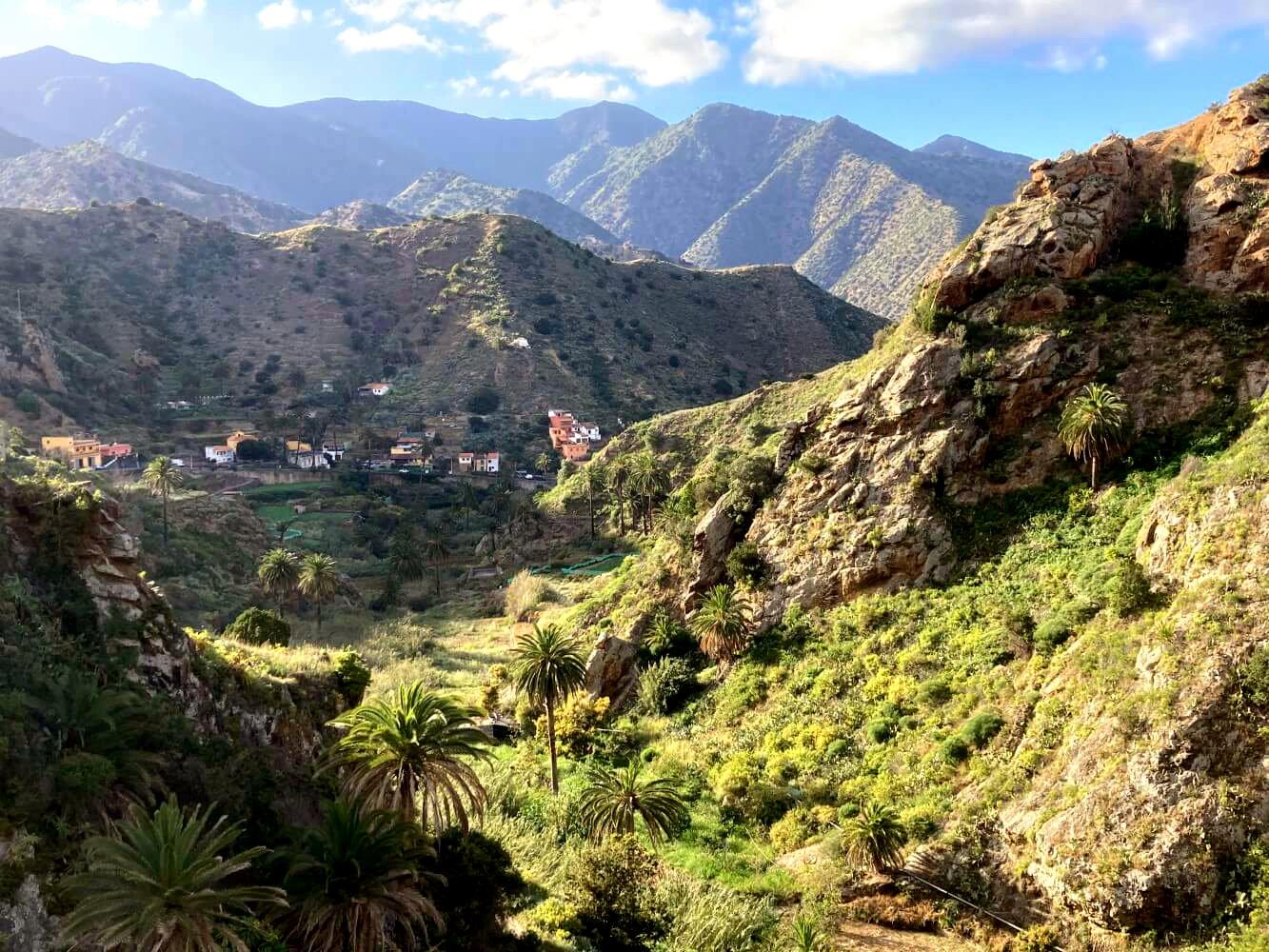 Blick auf Vallehermoso beim GR 132 in La Gomera.